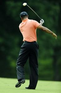 Tiger-Woods-shows-his-ang-002
